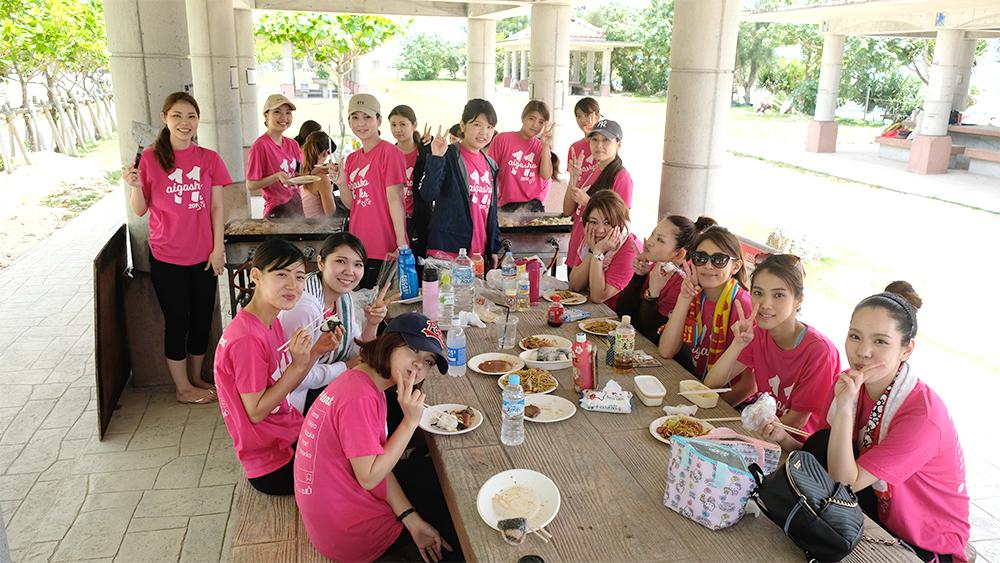 愛雅粧沖縄校2019_レクレーションでビーチへ_07